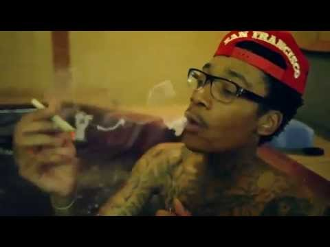 Wiz Khalifa!  .    ..   . .   .  How To Roll A Perfect Joint