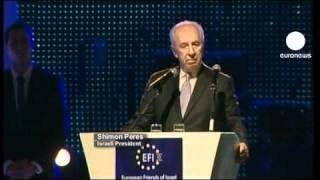 "Peres ""warns"" of dangers of Egyptian democracy"