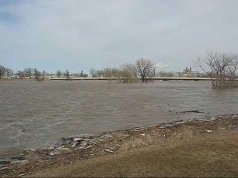 2006-04-06 Red River Flooding East Grand Forks, MN