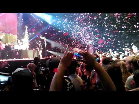 Blink182 Ahoy Rotterdam, 26-06-2017 Olaf on stage