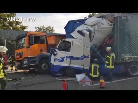 09.10.2018 - VN24 - Riesen Glück - Container Landet Bei Unfall Auf A1 Mitten Im Führerhaus