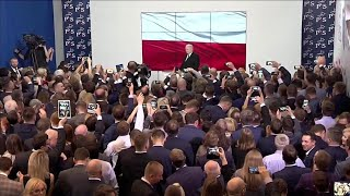 Polonia, vittoria sovranisti di Kaczynski: urla e cori
