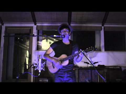 Lil' Chris   'Easy Way Out' (Acoustic)
