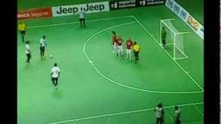 Нереальный гол Фалькао со штрафного в мини-футболе
