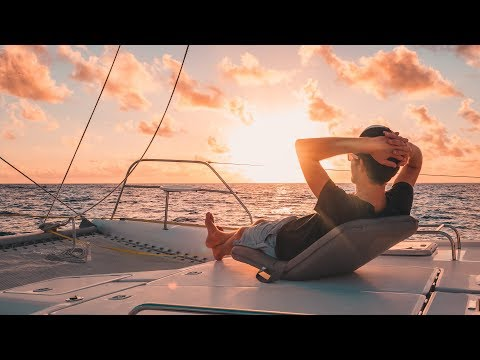 Super Chill Downwind Sailing & A Swollen Sailor || Sailing French Polynesia