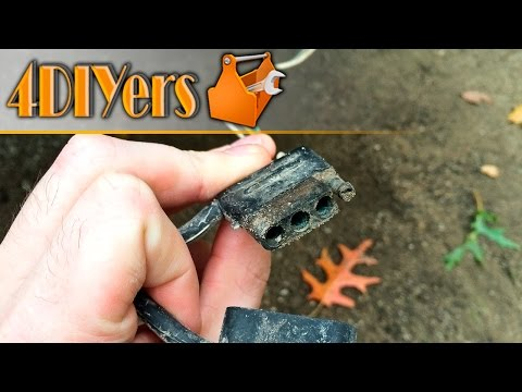 Tech Tip: Cleaning a Corroded Trailer Light Connector