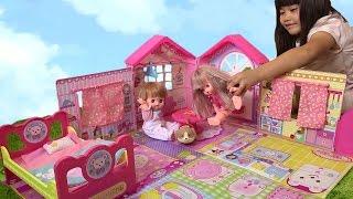 メルちゃん のおもちゃを こうくんねみちゃん がお世話ごっこ遊びで楽し...