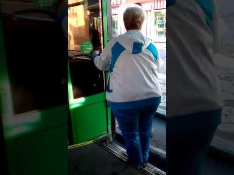 Новосибирск. Конфликт в троллейбусе.