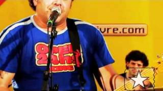 """Léo Jaime em """"Conquistador Barato"""" no Estúdio Showlivre 2004"""
