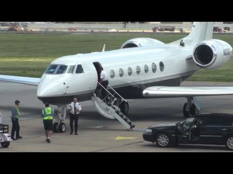 Gulfstream G550 with Jay Z  Avery Johnson New Jersey Nets arriving for Lebron James in Cleveland