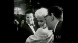 Spectacular arrival Of Marilyn Monroe At The EAST OF EDEN movie premiere 1955