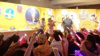 大阪の大丸ミュージアム梅田(大丸梅田店15階)で開催中のももいろク...