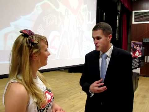 Nicola speaks to Gavin Williamson MP