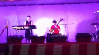 Shinya(三味線)&Tatuya(key&Dr)による兄弟ユニット。 彼らの代表作と...