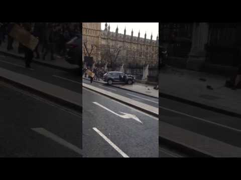 Terrorist Attack In London LIVE CLOSE UP FOOTAGE