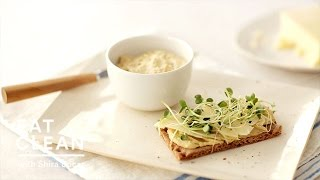 Sharp Cheddar, Hummus, And Sprouts On Rye Crisps - Eat Clean With Shira Bocar