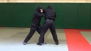 ОМОН. Видео рубрика по самообороне и боевому самбо. Урок 1.(Защита от прямого удара левой рукой, броском с боковым переворотом, с добиванием и переходом на болевой..., 2013-05-17T06:46:05.000Z)