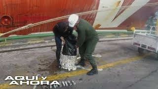 En el fondo de los barcos narcotraficantes pegan cilindros artesanales llenos de cocaína