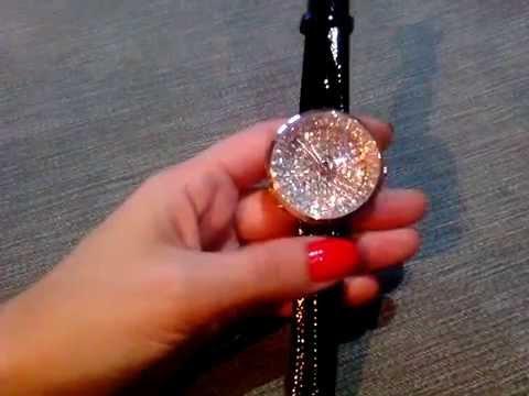 5 май 2015. Женские часы guess украшены камнями, кристаллами swarovski и различными узорами, также на них есть логотип компании, по которому вы непременно узнаете их. Отличный выбор и хорошие скидки на часы guess предлагает американский гипер-маркет amazon. Com. Здесь вы.