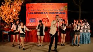 Diễn viên Tuấn Phương thủ vai Đức Phật (Phim Con Đường Giác Ngộ) hát phục vụ bà con nghèo Nhà Bè