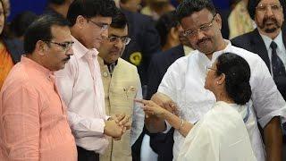 ماماتا بانيرجي تحث Sourav Ganguly بناء ملعب الكريكيت