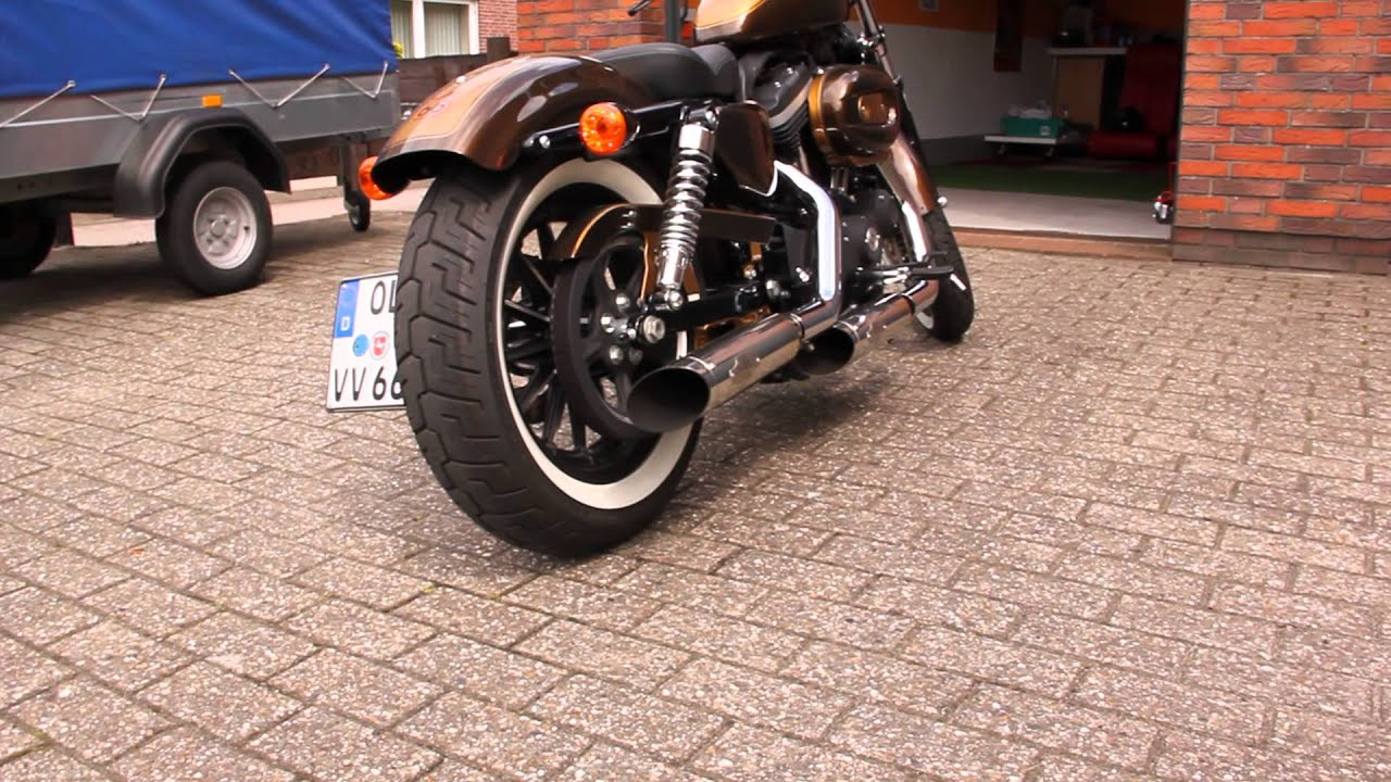 Harley Davidson Sportster Iron 883 Sound mit Custompipe - YouTube
