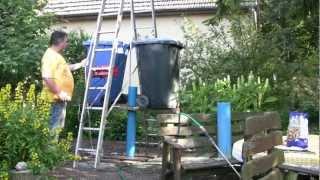 Brunnenbohren von Hand mit Kiespumpe