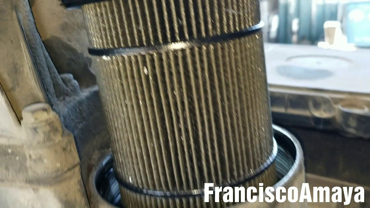 Freightliner cascadia DD15 engine metal debris in oil filter broken  bearings metal en el filtro