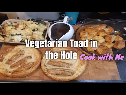 VEGETARIAN TOAD IN THE HOLE WITH RICHMOND MEAT FREE VEGAN SAUSAGES!  COOK WITH ME