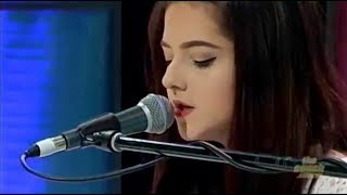 Claudia Tripp - Get Out of My Head   ACOUSTIC   Performed on The Couch