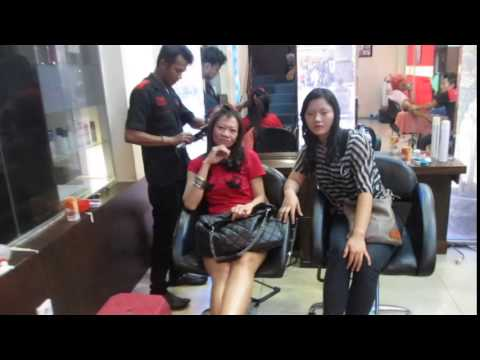 AT SALON BATAM