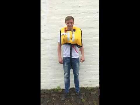 Testing life jacket MARINEPOOL ISO RACER PLUS 180N