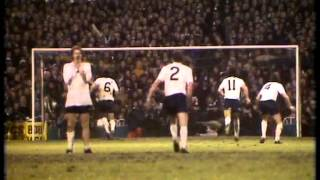 01-01-77 Tottenham Hotspur v West Ham United