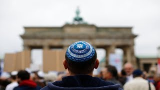German official cautions Jews on wearing skullcaps