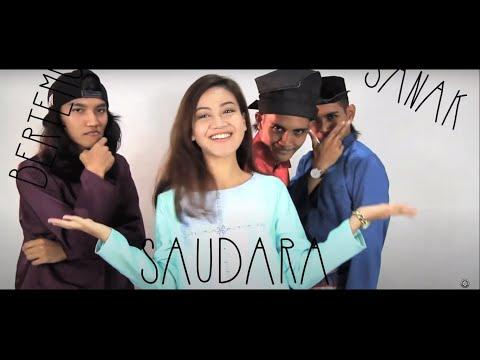 Sekumpulan Orang Gila - Lagu Raya feat. Daiyan Trisha (versi akustik)