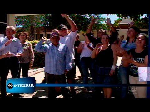 Pacientes com câncer protestam pela demissão de médico em Araçatuba