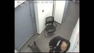 Rum polisinden tutukluya dayak