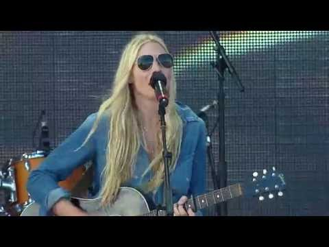 Holly Williams -