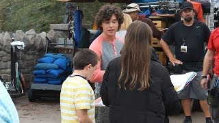 cast of abc s the middle taping scenes for season finale at magic kingdom