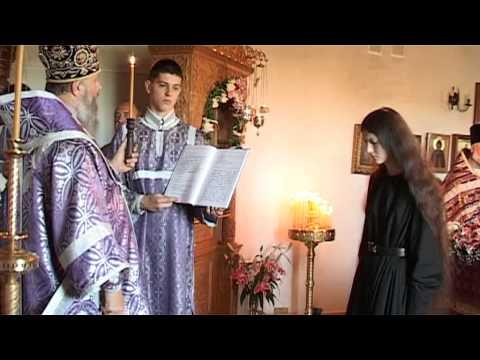Как проходит постриг в монахини