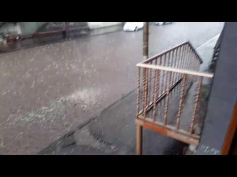 сильный дождь в Ахалкалаки