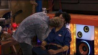 Baixar Henry Danger: GUYS, (Henry & Charlotte) STOP KISSING!