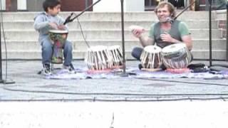 Baixar Raghav drumming concert with Dan