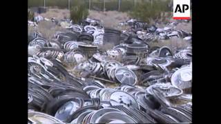 USA: PEARSONVILLE: WORLD'S LARGEST COLLECTION OF HUBCAPS