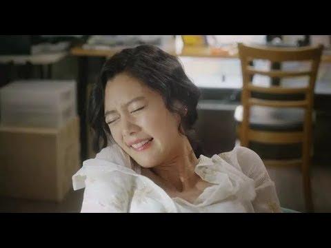 【少年】美女试穿新型内裤,功能强大,用户体验良好,但使用方法太独特了: 《工作女郎》是由郑凡植执导,赵茹珍、李成敏主演的喜剧电影,该片于2015年1月8日在韩国上映。