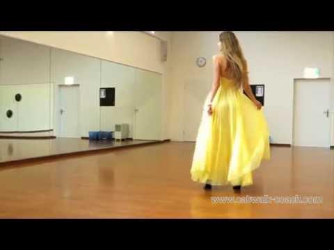 model-luisa-walks-elegant-in-high-heels