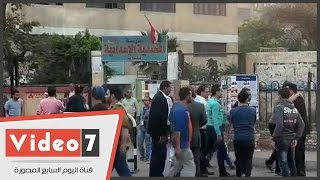 انتشار عدد كبير من مندوبى المرشحين أمام لجان مدرسة المحمدية بالمطرية