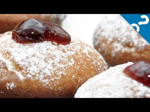 4 Holiday Food Traditions | What the Stuff?!