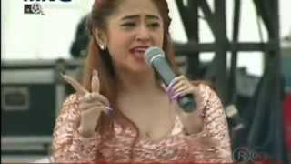 Video goyang hot Dewi persik kepenonton MNCTV  YouTube download MP3, 3GP, MP4, WEBM, AVI, FLV November 2017
