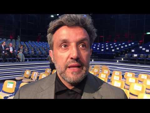 Flavio Insinna  il debutto a L'Eredità al posto di Fabrizio Frizzi